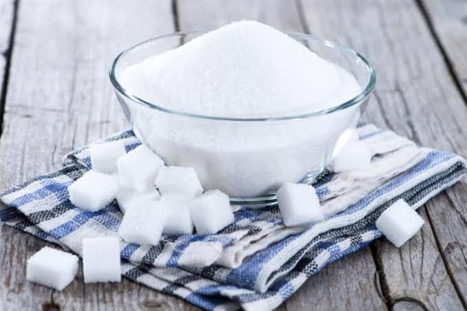 السكر من الوصفات الطبيعية لتقشير البشرة