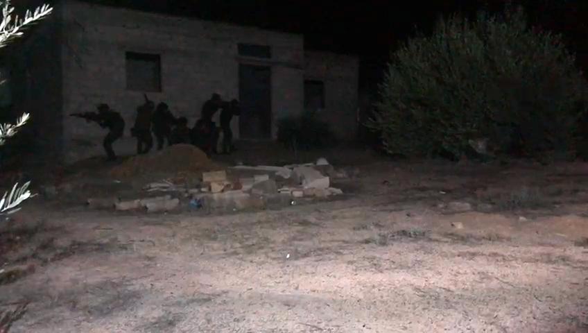مقتل 13 إرهابيا خلال مداهمة لوكر بالعريش (1)
