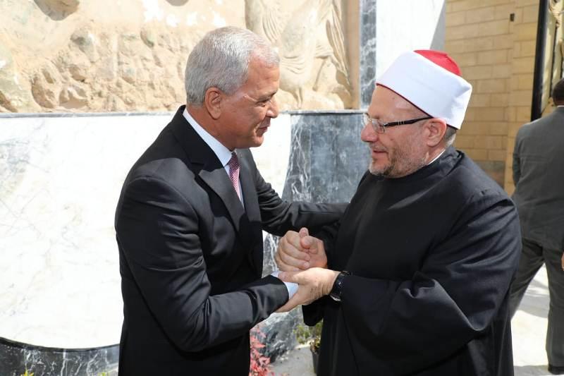 محافظ المنوفية يستقبل مفتى الديار المصرية (1)