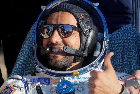 رائد-الفضاء-الإماراتى-هزاع-المنصورى-عقب-وصوله-للأرض