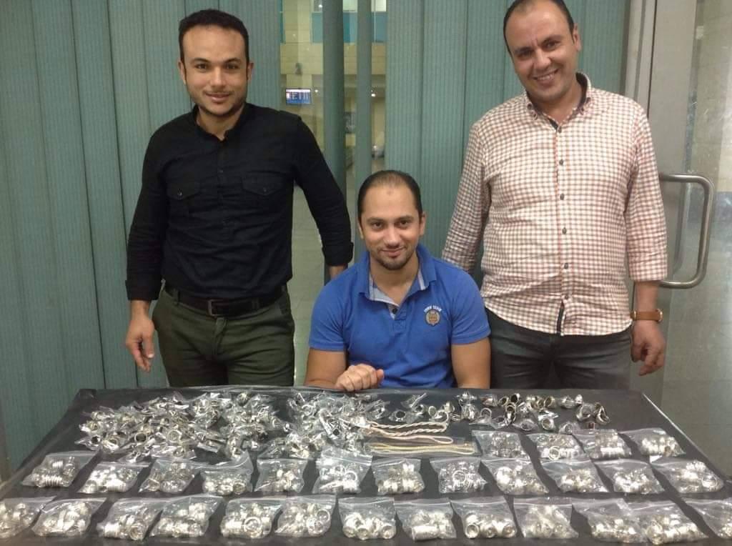 جمارك مطار برج العرب الدولى تحبط تهريب كمية من المشغولات الفضية (1)