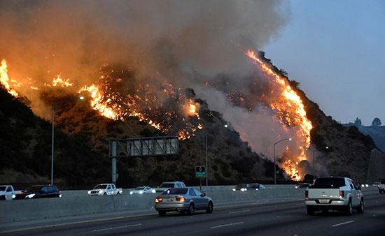 حرائق لوس أنجلوس بكالفورنيا