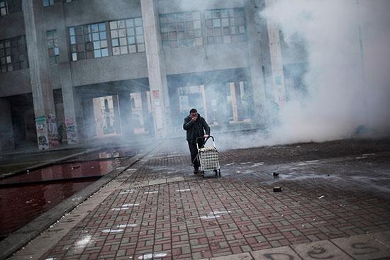 دخان قنابل الغاز المسيل للدموع فى كونسيبسيون