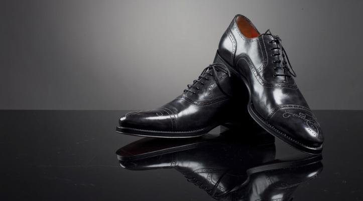 أحذية تيستوني بسعر 38.000 دولار
