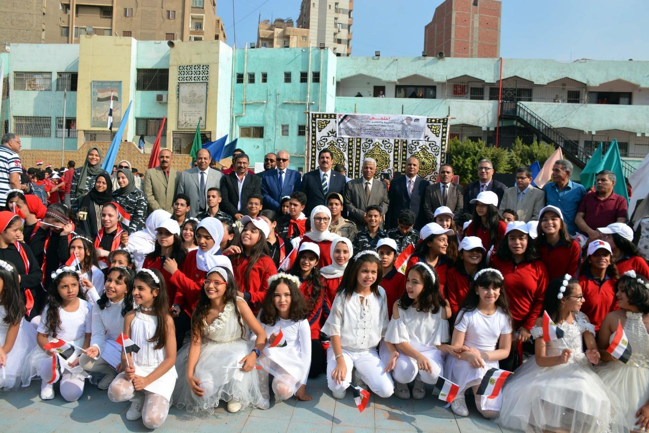 محافظ القليوبية يشارك باحتفالية التربية والتعليم بذكرى نصر أكتوبر (8)