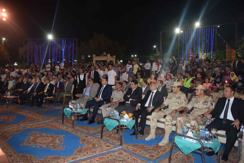محافظ المنيا يحتفل بذكرى أكتوبر (3)