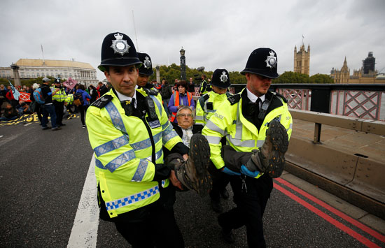 شرطة-لندن-تلقى-القبض-على-النشطاء