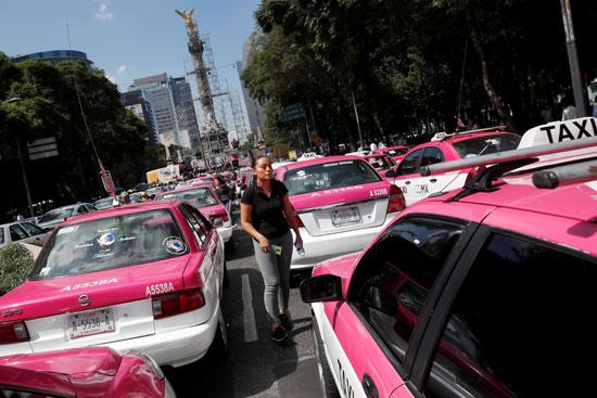 احتجاجات لسائقى التاكسى فى المكسيك