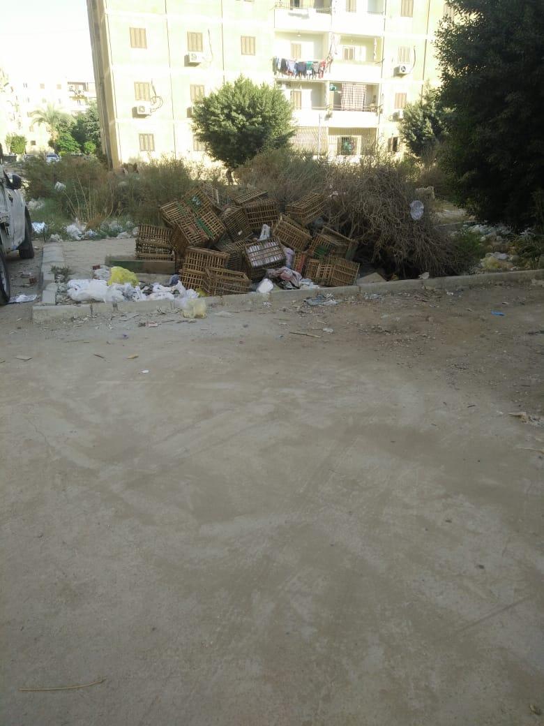 القمامة بأحد شوارع التجمع
