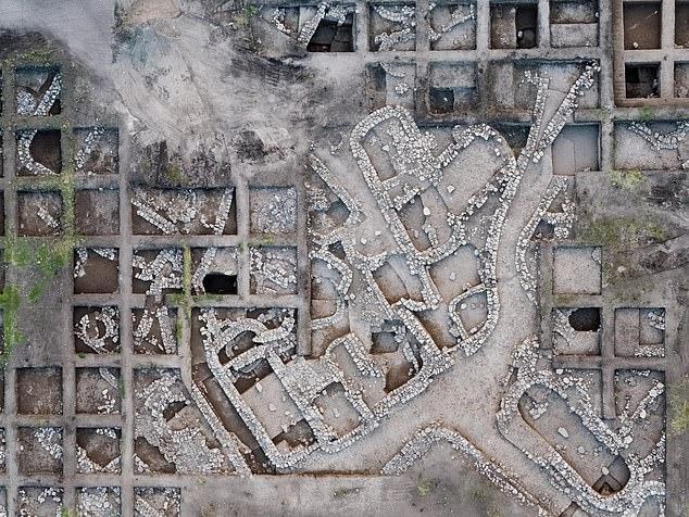 بقايا المدينة  المتواجدة شمال تل ابيب