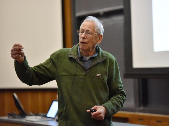 العالم-الأمريكى-الكندى-جيمس-بيبلز-الحائز-على-جائزة-نوبل-للفيزياء