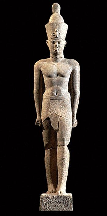 تمثال-للملك-البطلمي
