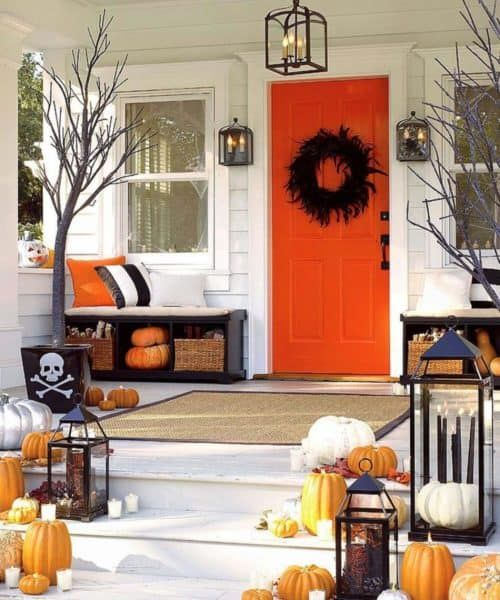 باب الشرفة من البرتقالى بلون القرع