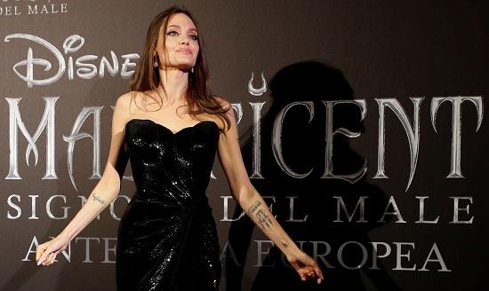 انجلينا جولى تتألق في العرض الأوربى الأول لفيلمها Maleficent (6)