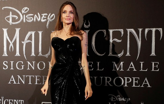 انجلينا جولى تتألق في العرض الأوربى الأول لفيلمها Maleficent (5)