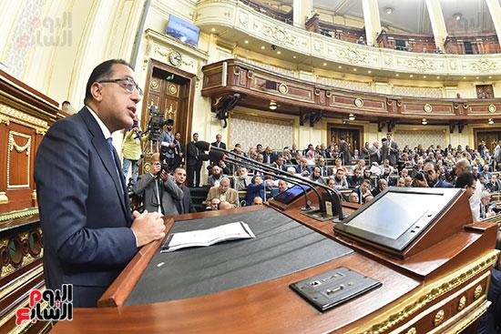مدبولى يتحدث أمام النواب (2)