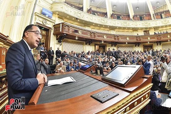 مدبولى يتحدث أمام النواب