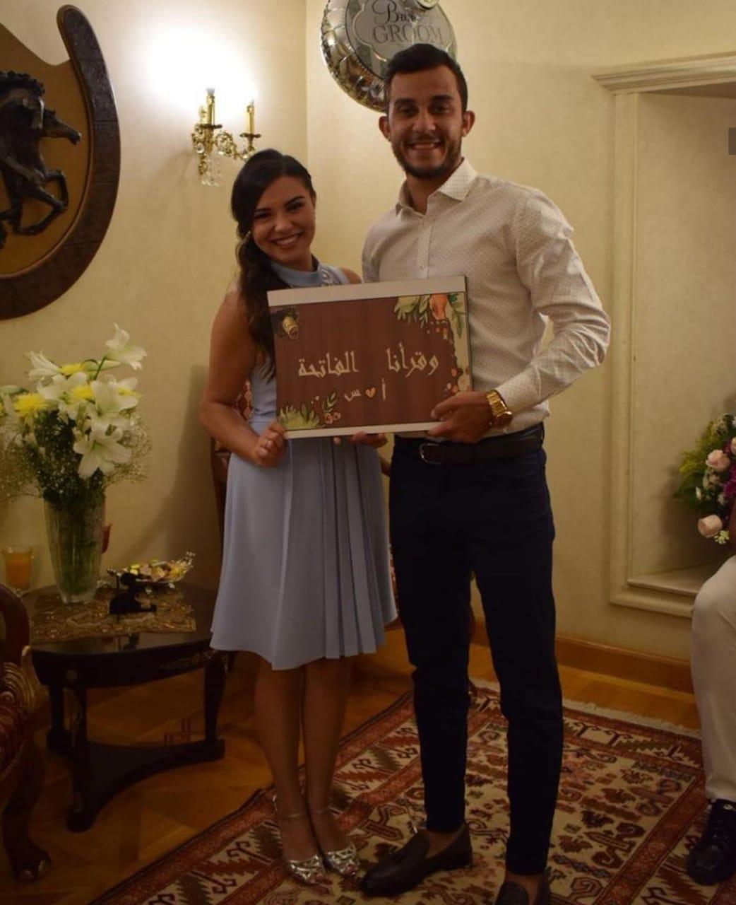 أحمد منصور و خطيبته ساندى