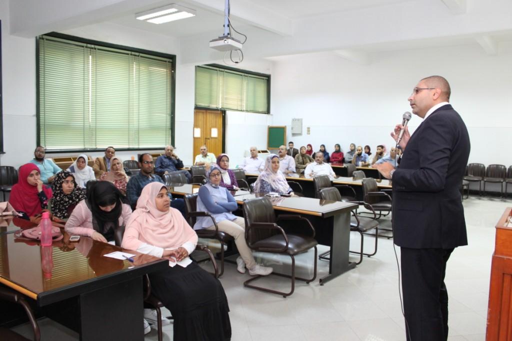 جامعة أسيوط تنظم ورشة عمل متخصصة لبنك المعرفة المصري (7)