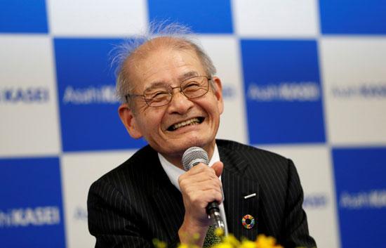 أكيرا-يوشينو-الفائز-بجائز-نوبل-للكيمياء