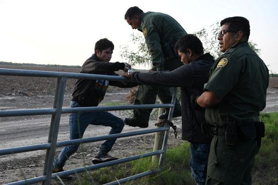 القبض على مهاجرين