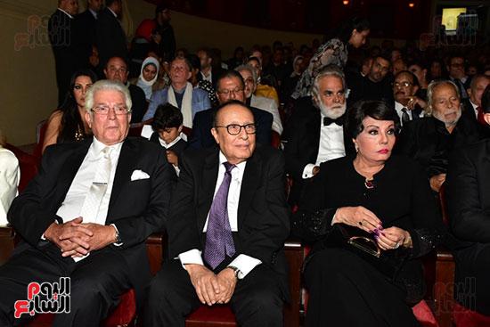 المخرج محمد فاضل وزجتة فردوس عبد الحميد والفنان محمود قابيل