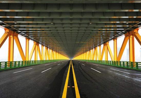 الطابق-الأول-من-الجسر