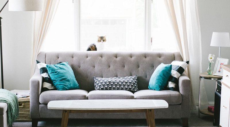 طرق تنظيف الأريكة