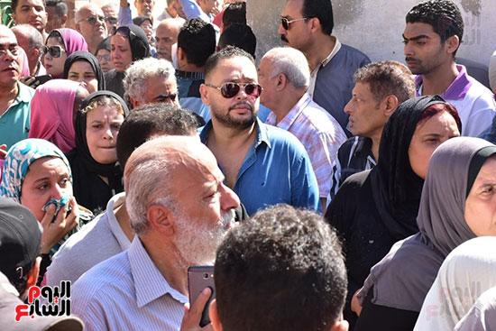 أحمد رزق فى جنازة طلعت زكريا