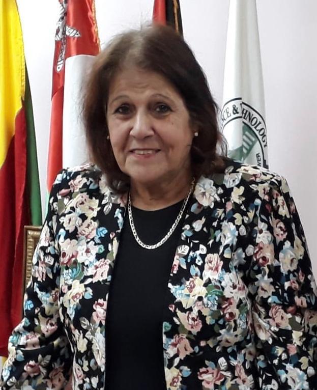 الدكتورة فوزية أبو الفتوح عميد كلية الطب البشري
