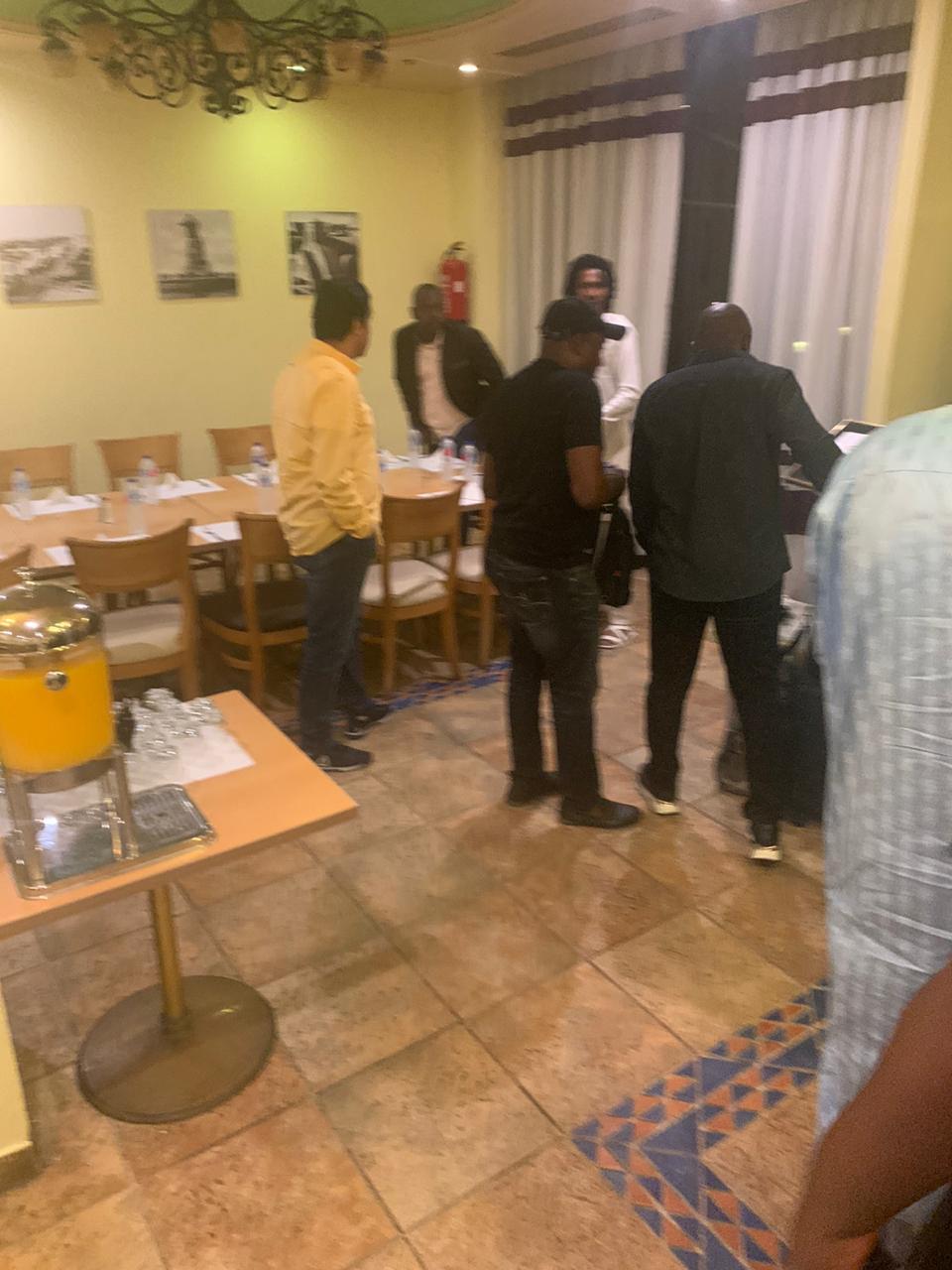 وصول بعثة منتخب الكاميرون إلى الإسماعيلية  (2)