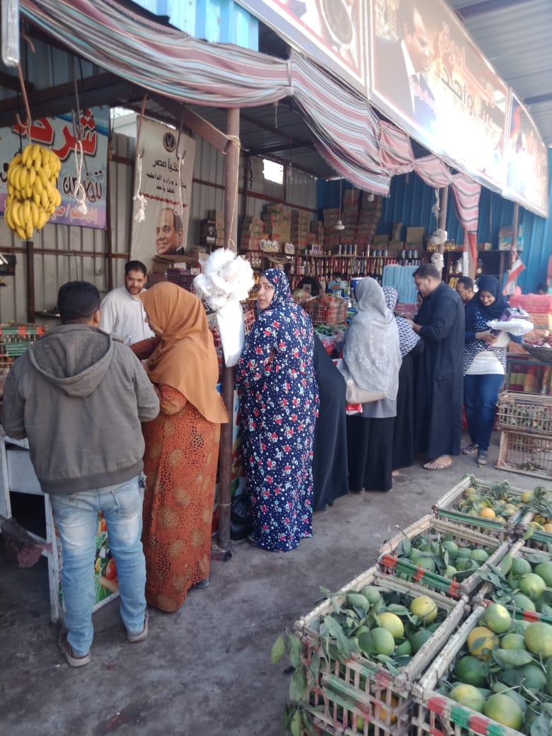 انتعاش بأسواق الخضر والفاكهة بالغربية ورقابة تموينية على الأسعار (9)