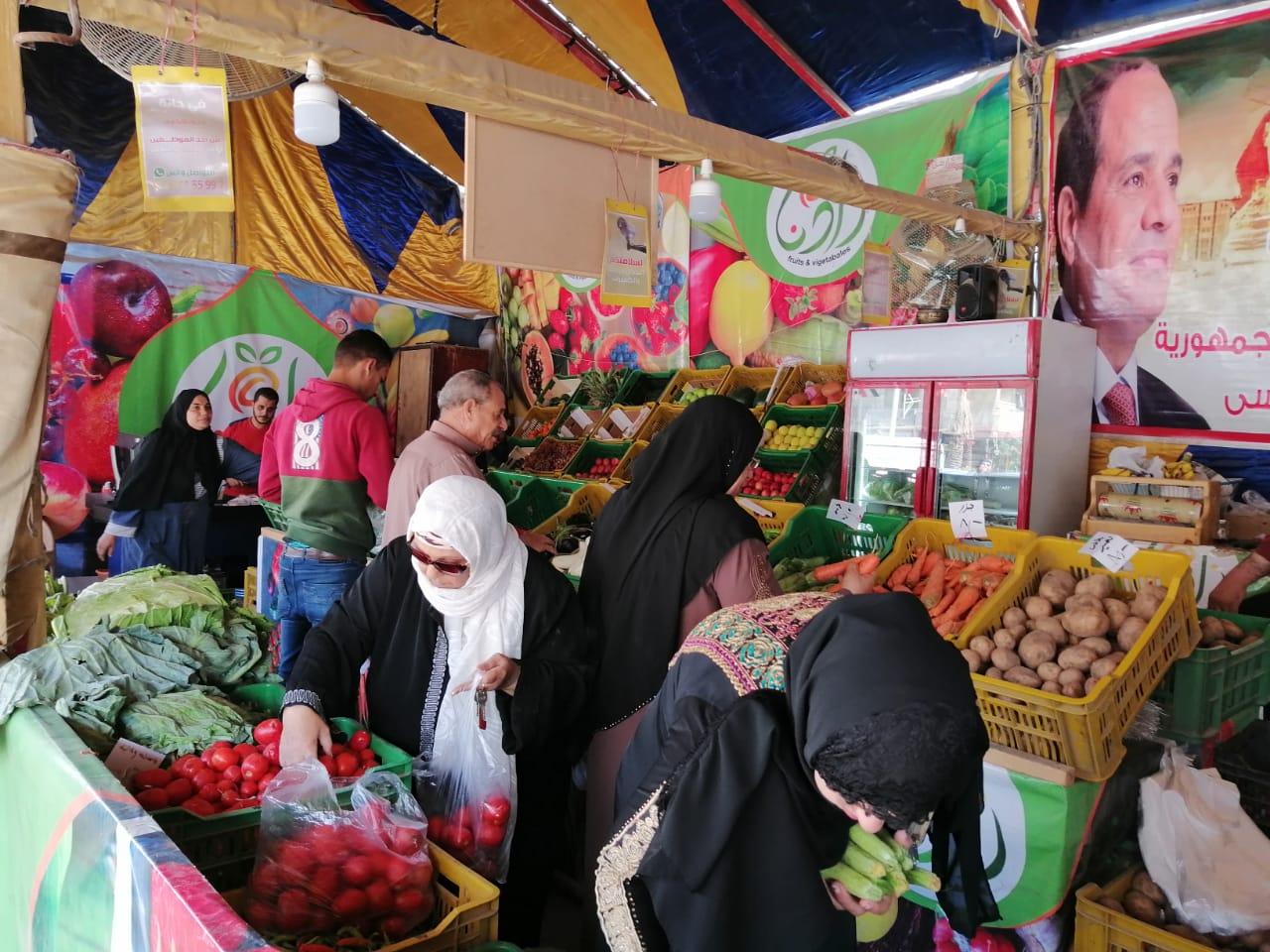انتعاش بأسواق الخضر والفاكهة بالغربية ورقابة تموينية على الأسعار (5)