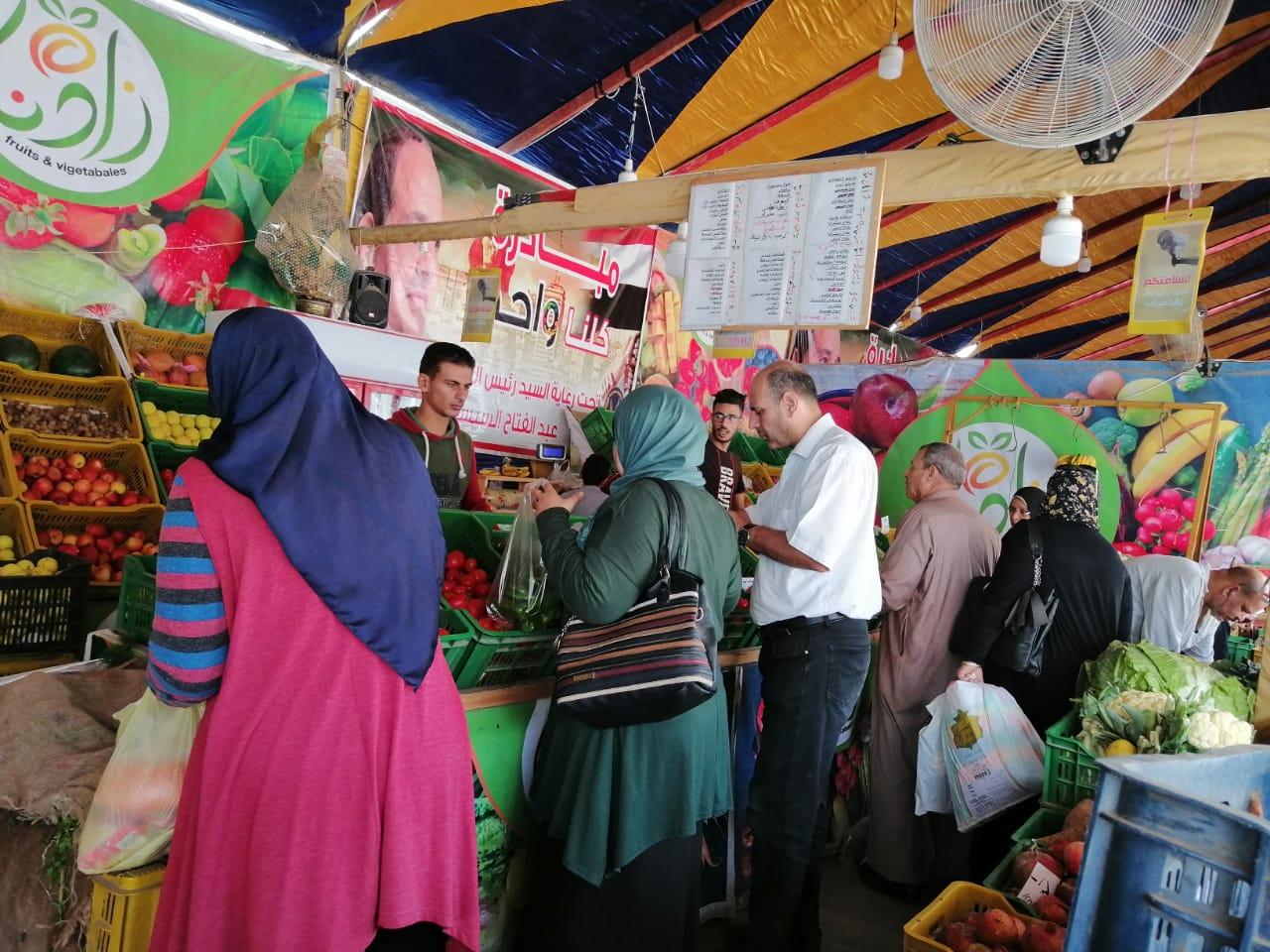 انتعاش بأسواق الخضر والفاكهة بالغربية ورقابة تموينية على الأسعار (4)