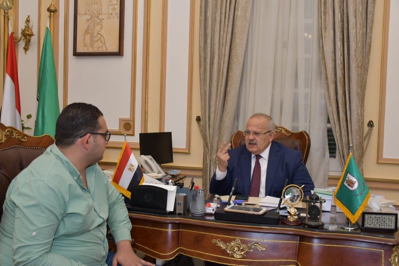 رئيس جامعة القاهرة  ومحرر اليوم السابع  (2)
