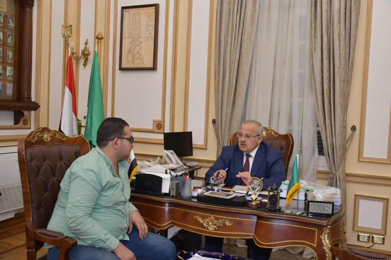 رئيس جامعة القاهرة  ومحرر اليوم السابع  (3)