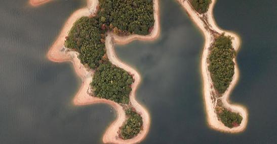 روعة المناظر فى البحيرة الصينية