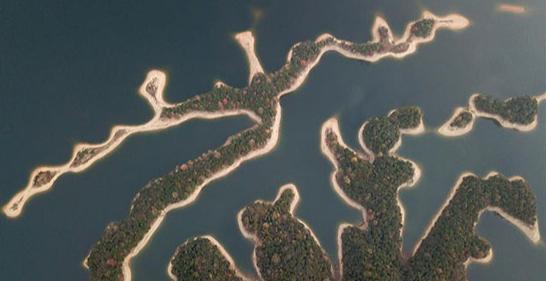المناظر الطبيعية فى بحيرة تايبينج