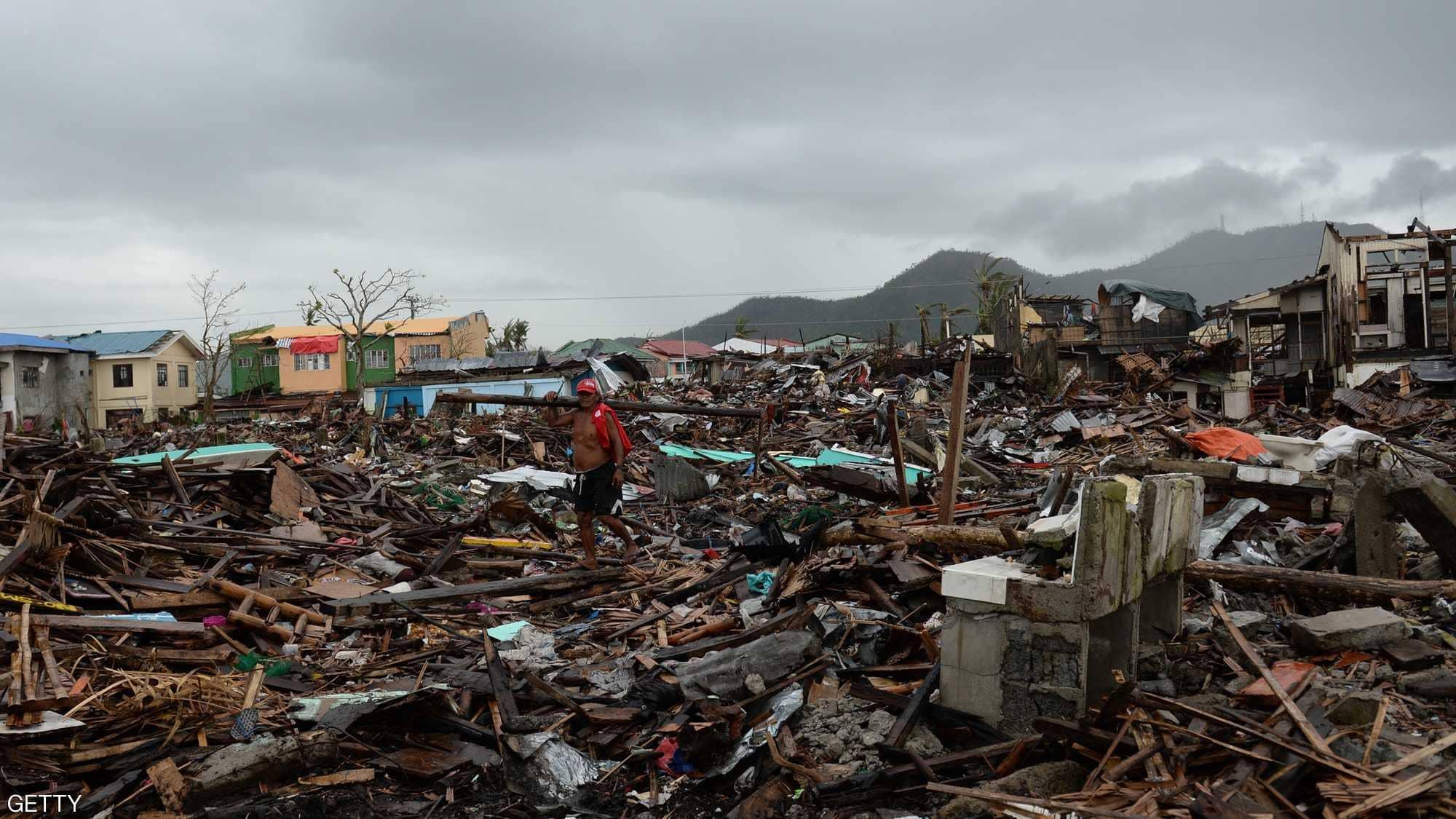 الدمار التى يسببه الإعصار