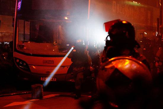 مواجهات بين الأمن والمحتجين فى هونج كونج