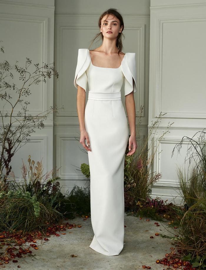 فستان زفاف باكمام قصيرة