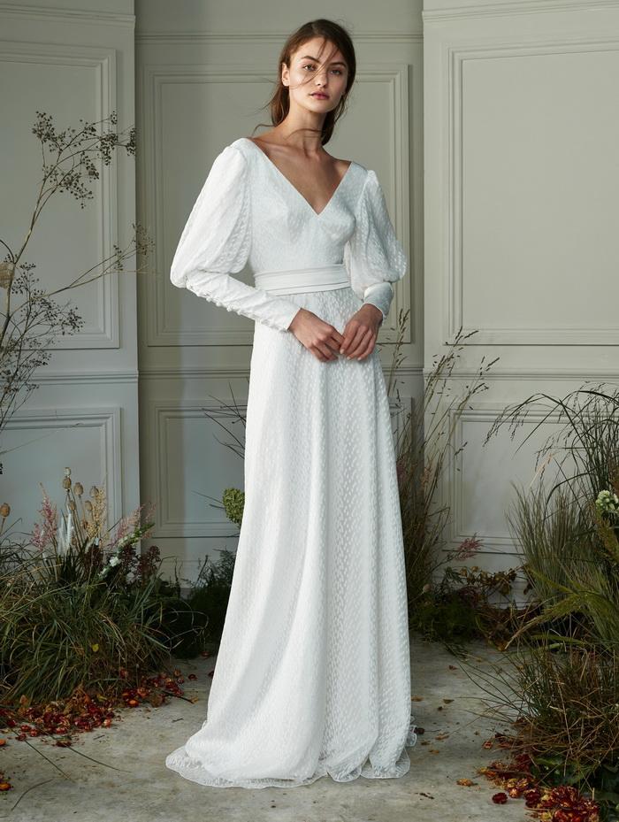 فستان ذو اكمام طويلة