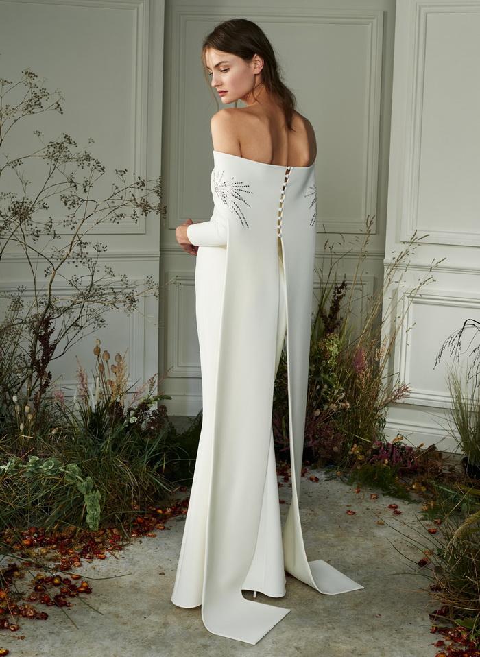 فستان زفاف انيق