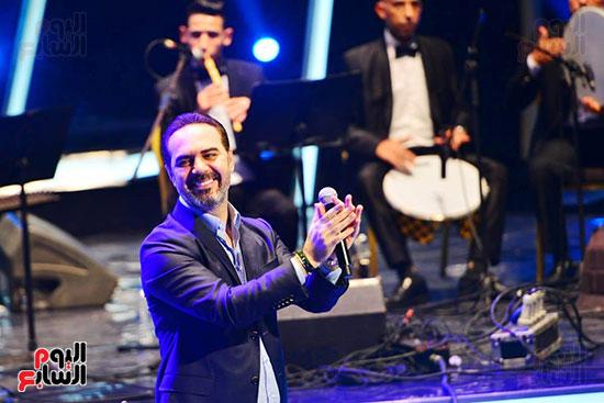 وائل جسار يتفاعل مع جمهور مهرجان الموسيقى العربية