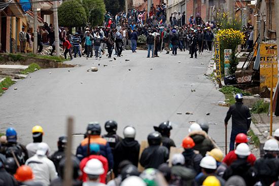 انصار الرئيس البوليفى يشتبكون مع انصار المعارضة
