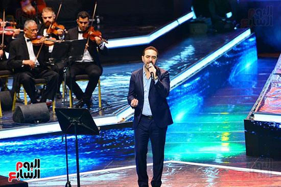 وائل جسار يبدا حفل مهرجان الموسيقى العربية
