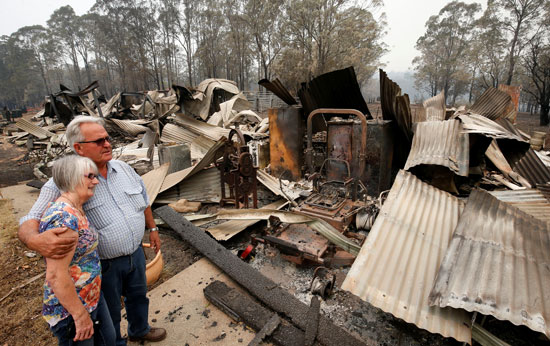 النيران دمرت منزلا