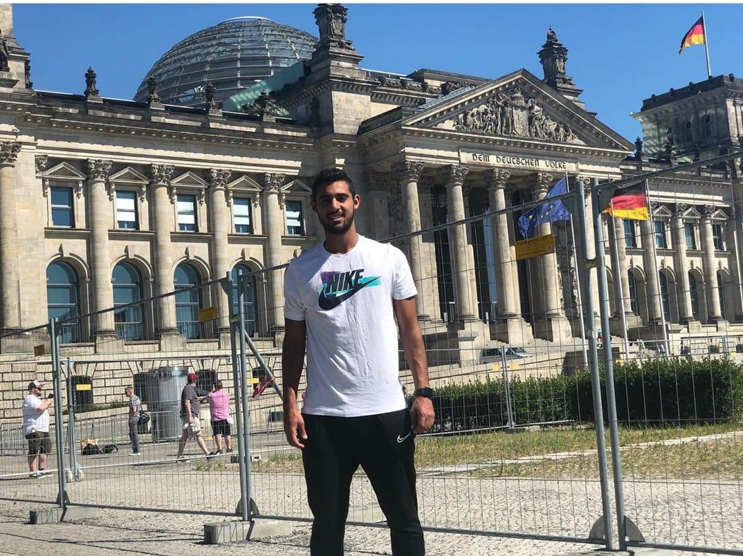 أحمد باسر ريان فى بودابيست