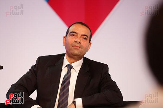 منصة جلسة الاستثمار بقمة مصر الاقتصادية  (4)