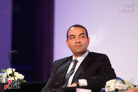 منصة جلسة الاستثمار بقمة مصر الاقتصادية  (6)
